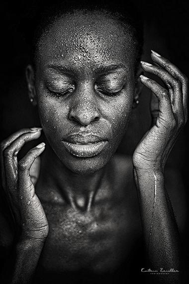 Porträtfoto Wasserperleneffekt erotisch