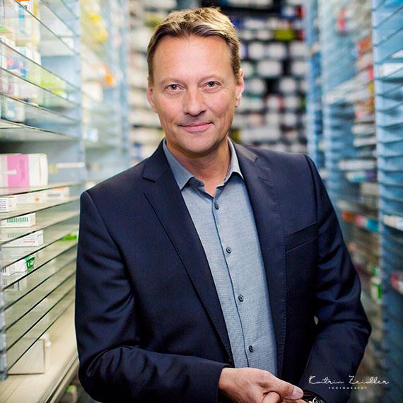 Businessporträt - Hintergrund Apotheke