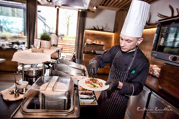 Business Fotografie - Hotel der Koch verwöhnt seine Gäste
