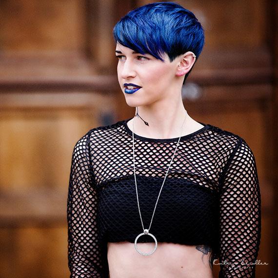 Businessfoto Produkt Frisur blau