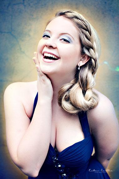Businessfoto Friseur Haarschnitt blond geflochten