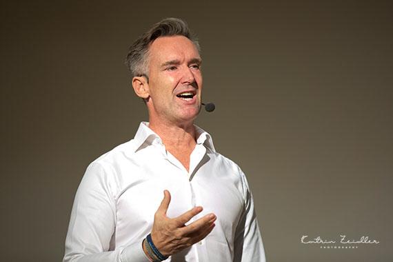 Businessfotografie - Speaker auf der Bühne