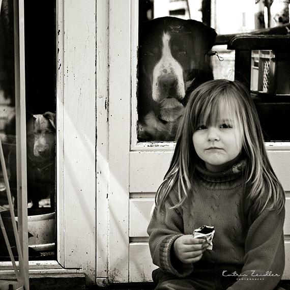 Kinderfotografie - Kind nascht