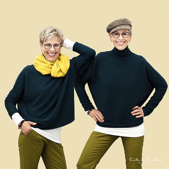 Modefotografie - 2 in 1 Austausch von Schal & Cap