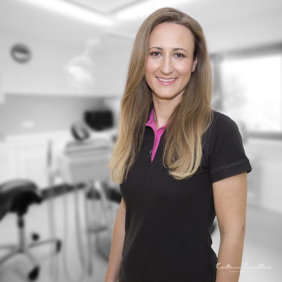 Praxisfotografie - Zahnarzt Mitarbeiterfoto 2