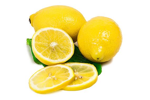 Foodfoto Zitronen mit Blatt